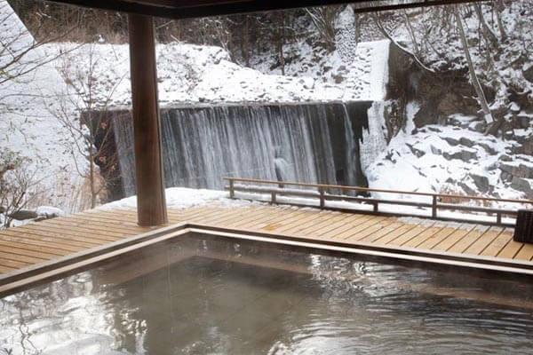 滝見乃露天風呂冬